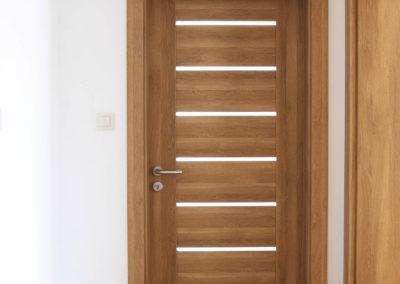 Dveře 90
