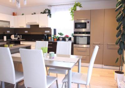 Kuchyně 77