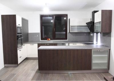 Kuchyně 82