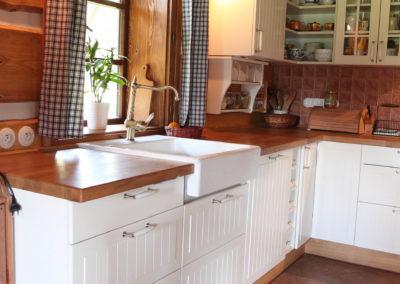 Kuchyně 83
